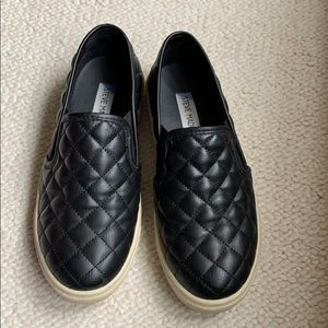 Steve Madden slip on sneaker black quilted 5.5